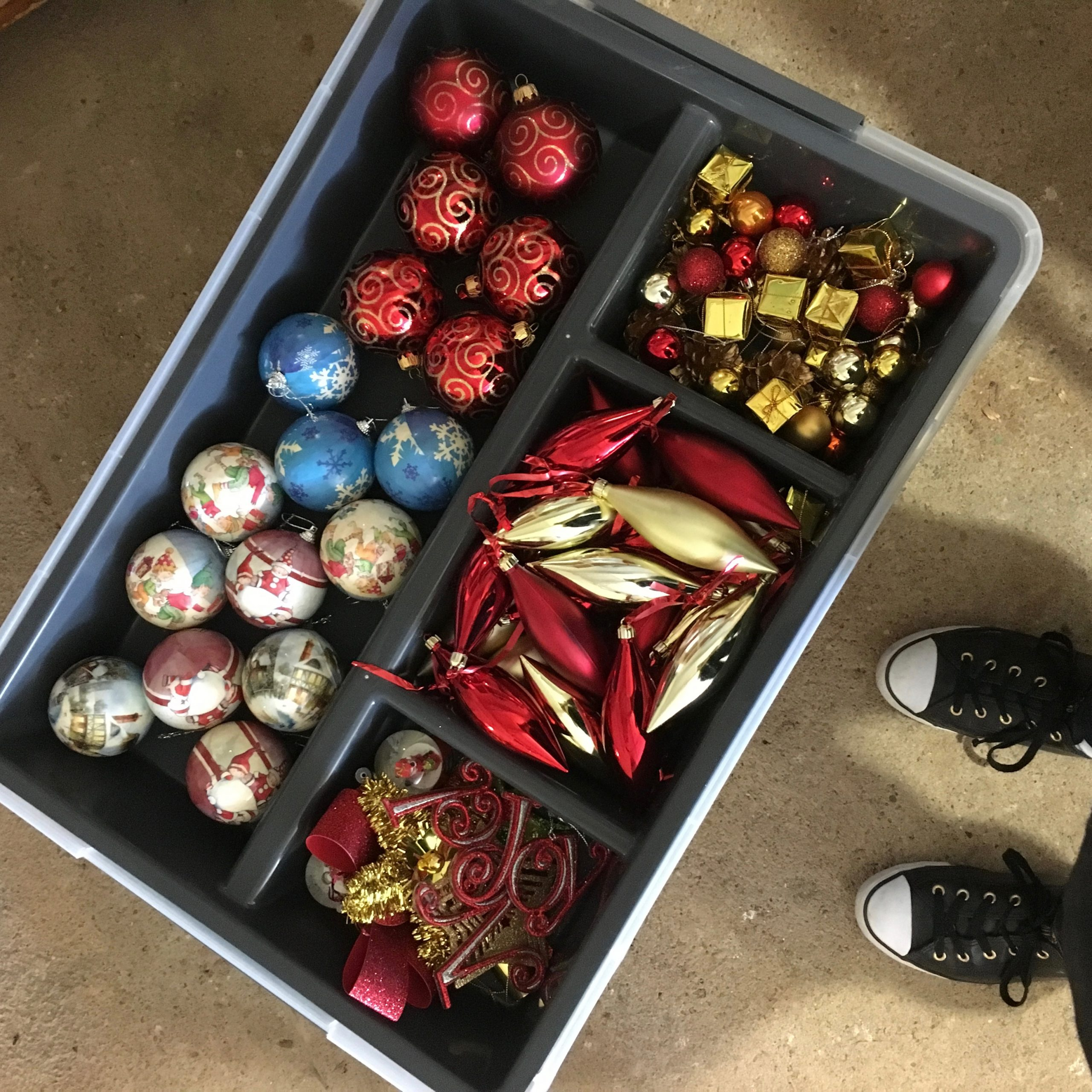 Christmas Decoration Organisation - The Organising Bee Canberra